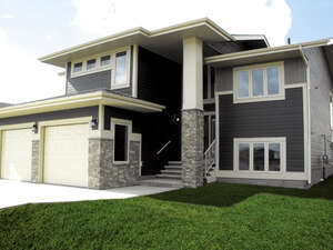 Featured Property in Lacombe, AB T4L 0J1