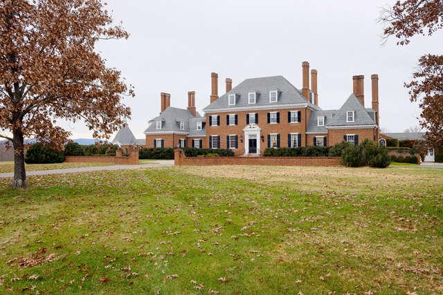 Single Family for Sale at 375 Farmington Drive Charlottesville, Virginia 22901 United States