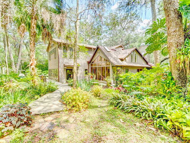 Single Family for Sale at 26262 Lake Lindsey Road Brooksville, Florida 34601 United States