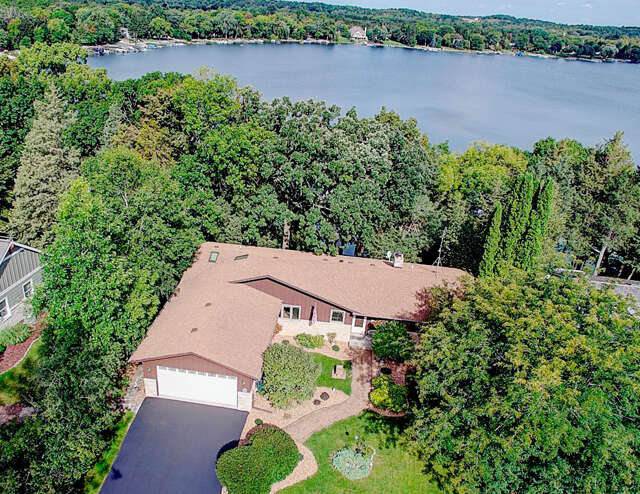 Single Family for Sale at W322n6797 Wildwood Point Rd Hartland, Wisconsin 53029 United States