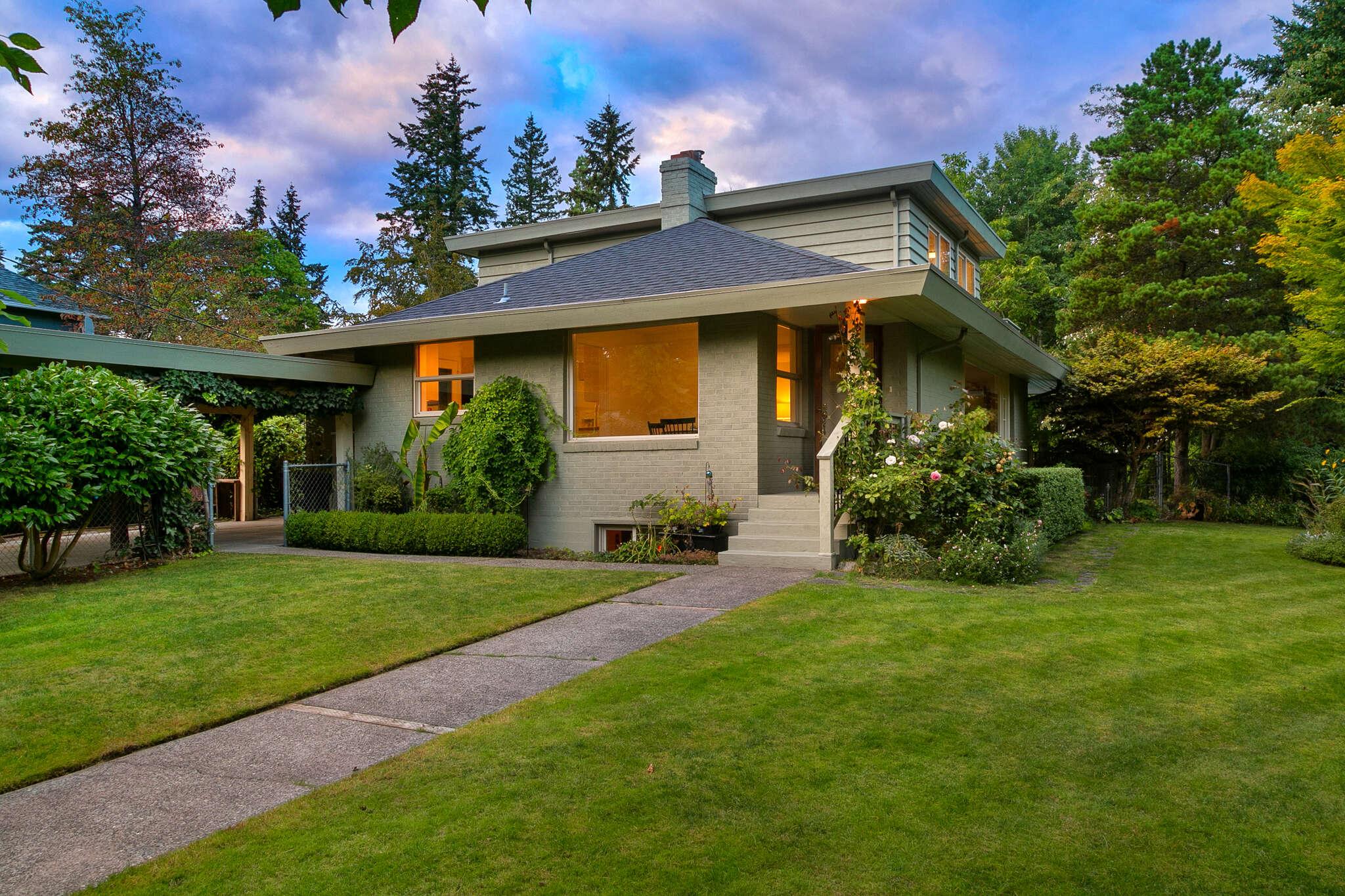Single Family for Sale at 2240 NE 175th Street Shoreline, Washington 98155 United States