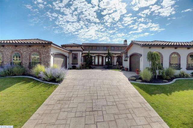 Single Family for Sale at 1602 Lucca Lane Richland, Washington 99352 United States