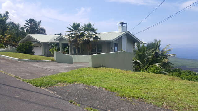 Single Family for Sale at 82-5975 Wakida Dr Captain Cook, Hawaii 96704 United States