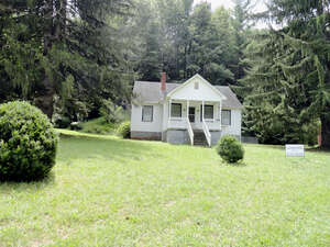 Featured Property in Green Mtn, NC 28740