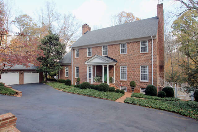 Single Family for Sale at 815 Tanglewood Road Charlottesville, Virginia 22901 United States