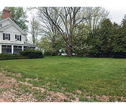 Single Family for Sale at 374 New Dover Road Colonia, New Jersey 07067 United States