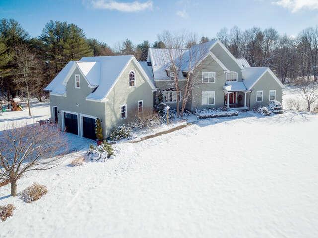 Single Family for Sale at 33 Vardon Lane Greenland, New Hampshire 03840 United States