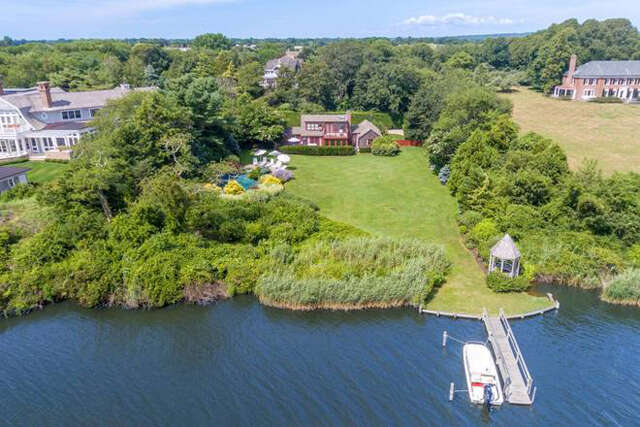Single Family for Sale at 199 Georgian Lane Water Mill, New York 11976 United States