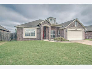 Featured Property in Broken Arrow, OK 74014