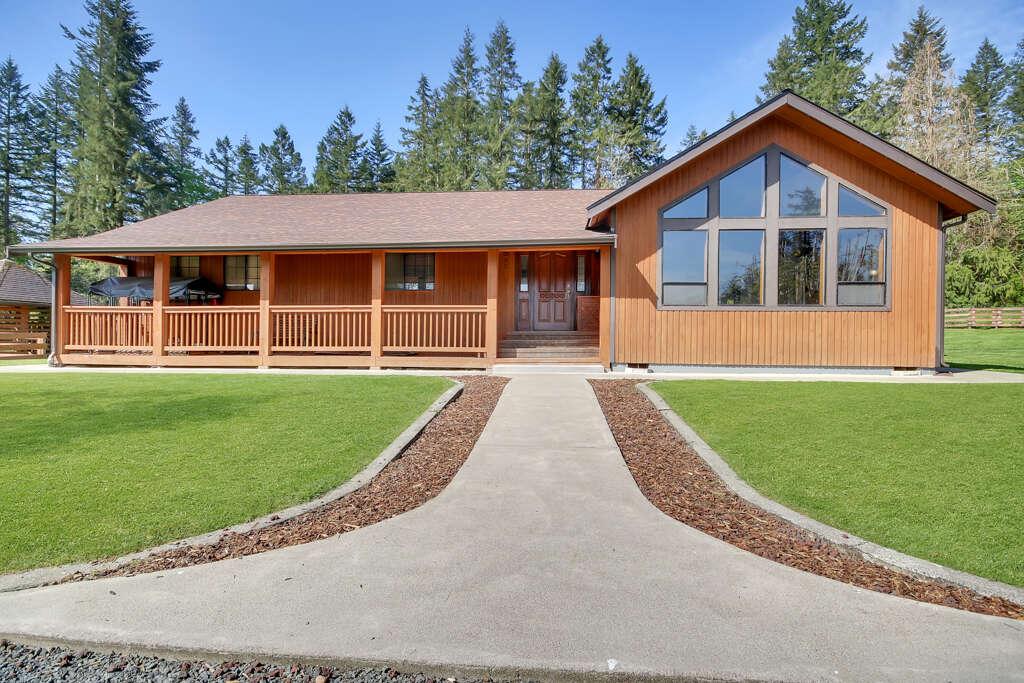 Single Family for Sale at 8311 282nd St E Graham, Washington 98338 United States