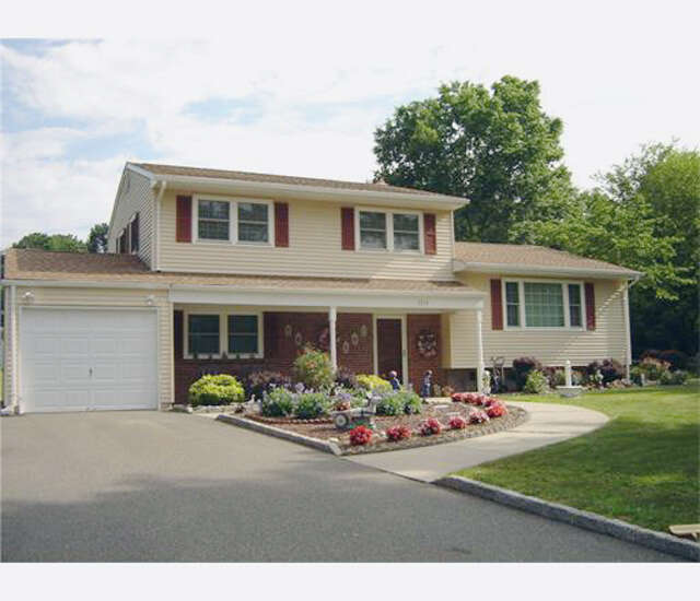 Single Family for Sale at 1216 Inman Avenue Edison, New Jersey 08820 United States
