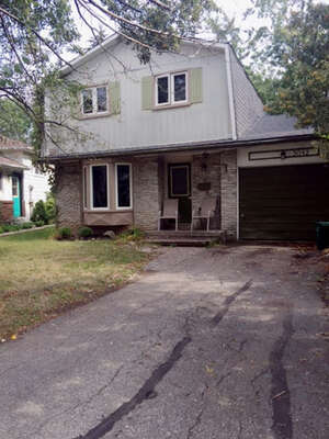 Featured Property in Burlington, ON L7L 3X6