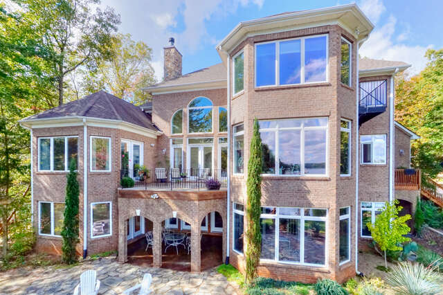 Single Family for Sale at 13807 Hagers Ferry Road Huntersville, North Carolina 28078 United States