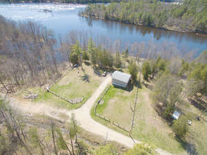 Featured Property in Portage du Ft, QC J0X 2T0