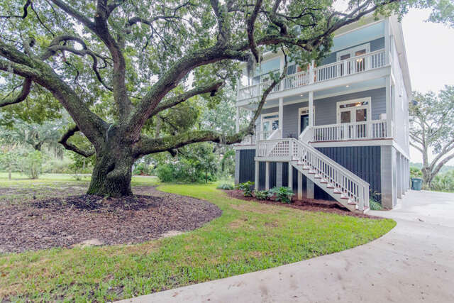 Single Family for Sale at 1201 Finley Road Charleston, South Carolina 29492 United States