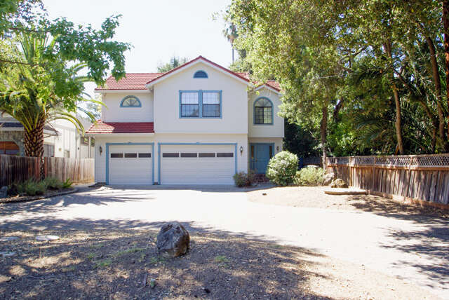 Single Family for Sale at 216 Finger Ave Redwood City, California 94062 United States