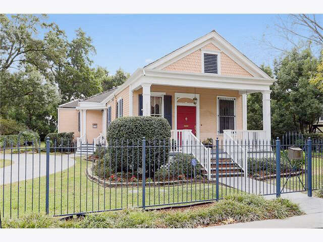 Single Family for Sale at 4333 Hamilton St. New Orleans, Louisiana 70118 United States