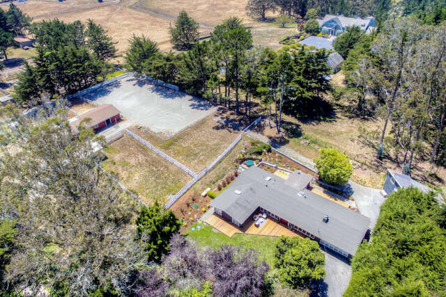 Single Family for Sale at 1600 Sunshine Valley Rd Moss Beach, California 94038 United States