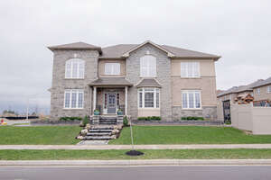 Featured Property in Ancaster, ON L9K 0H5