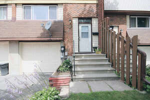Featured Property in Napanee, ON K7R 3R8