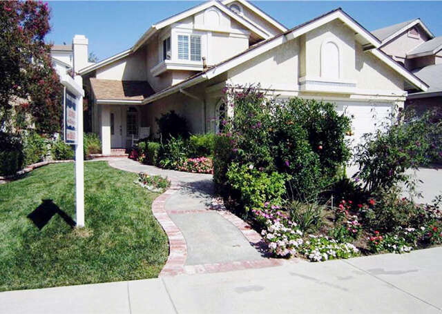 Single Family for Sale at 28356 Evergreen Ln Saugus, California 91390 United States