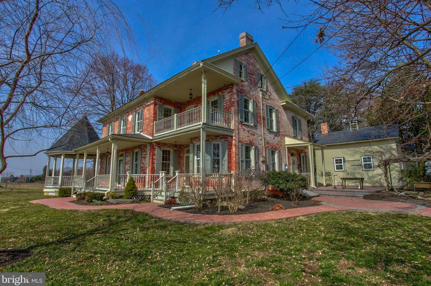 Single Family for Sale at 647 Long Ln Lancaster, Pennsylvania 17603 United States