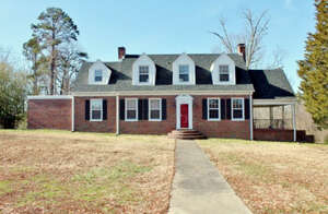 Featured Property in HALIFAX, VA, 24558