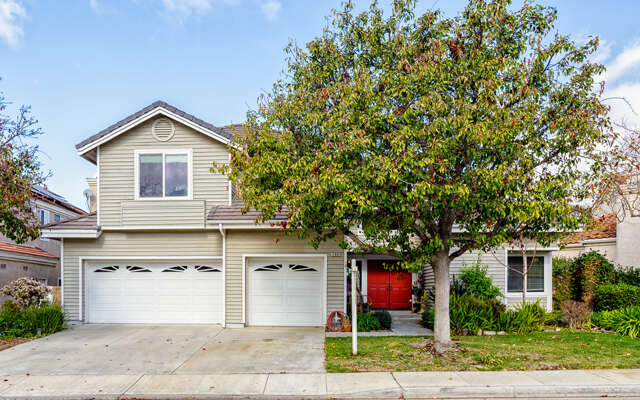 Single Family for Sale at 11891 Maple Crest St Moorpark, California 93021 United States