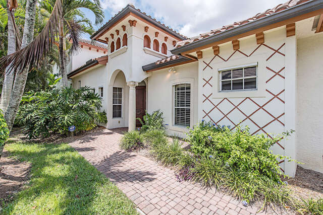 Single Family for Sale at 5077 Kensington High St Naples, Florida 34105 United States
