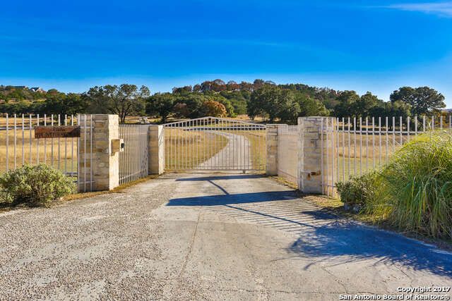 Single Family for Sale at 132 Poehnert Rd Boerne, Texas 78006 United States