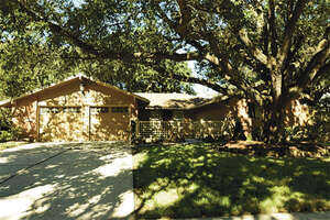 Featured Property in El Lago, TX 77586