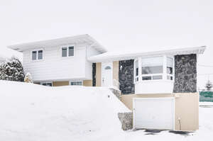 Featured Property in Gatineau, QC J8Z 1G9
