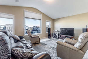 Featured Property in Okotoks, AB T1S 0C1