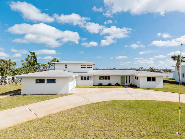 Single Family for Sale at 472 Desoto Drive Edgewater, Florida 32141 United States