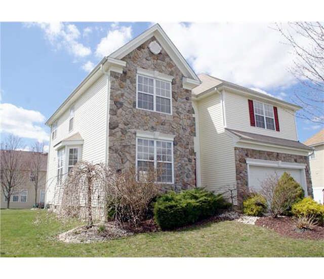 Single Family for Sale at 12 Skurka Court Sayreville, New Jersey 08872 United States