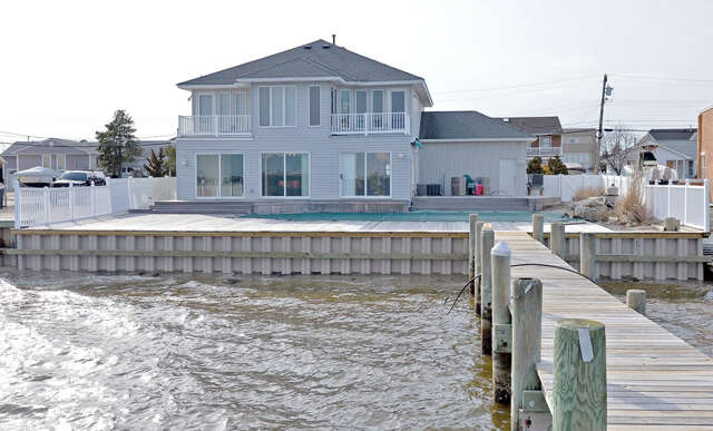 Single Family for Sale at 595 Bayview Drive Toms River, New Jersey 08753 United States