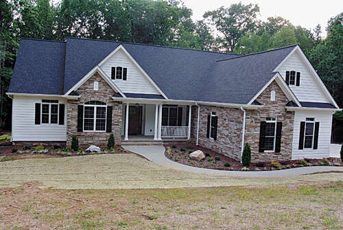 Single Family for Sale at 324 Woodridge Drive Rutherfordton, North Carolina 28139 United States