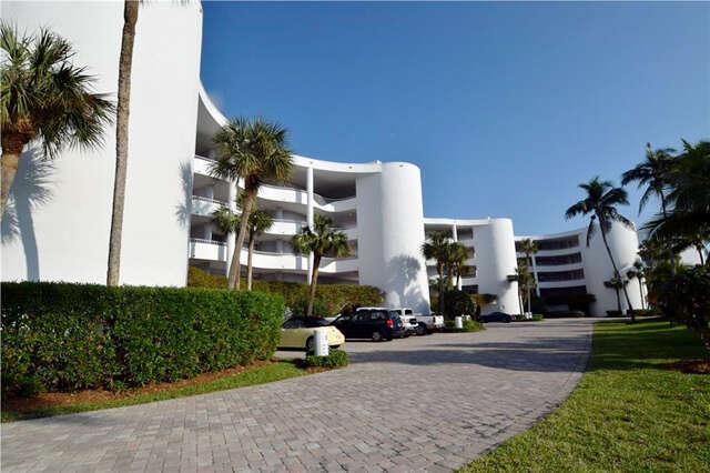 Single Family for Sale at 2001 SE Sailfish Point Blvd Stuart, Florida 34996 United States