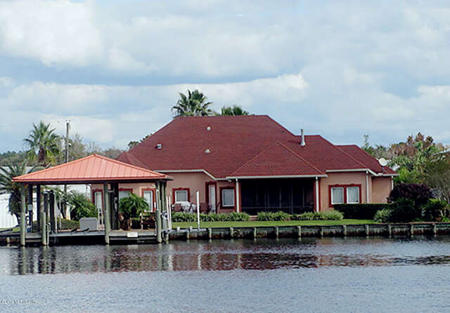 Single Family for Sale at 213 Sportsman Dr Welaka, Florida 32193 United States