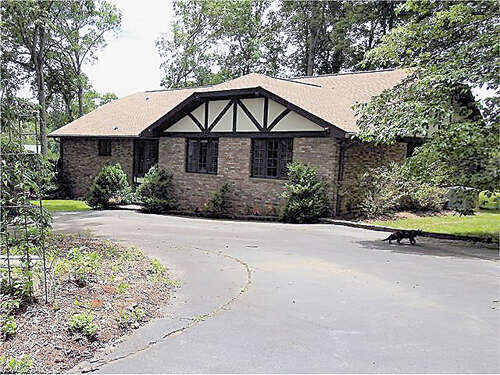 Real Estate for Sale, ListingId:45825642, location: 269 Canterbury Way Hendersonville 28792