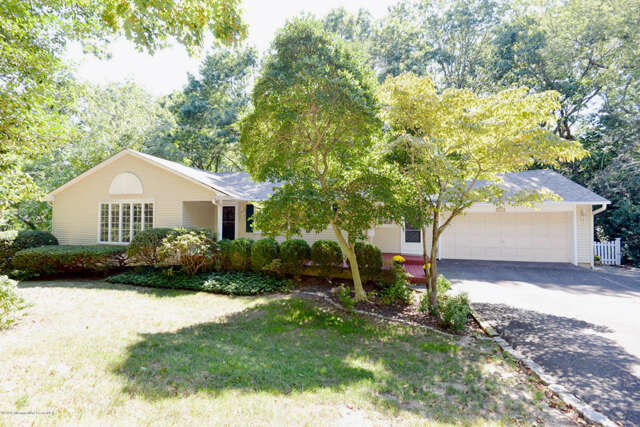 Single Family for Sale at 629 Holly Hill Drive Brielle, New Jersey 08730 United States