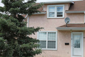 Featured Property in Ponoka, AB T4J 1A5