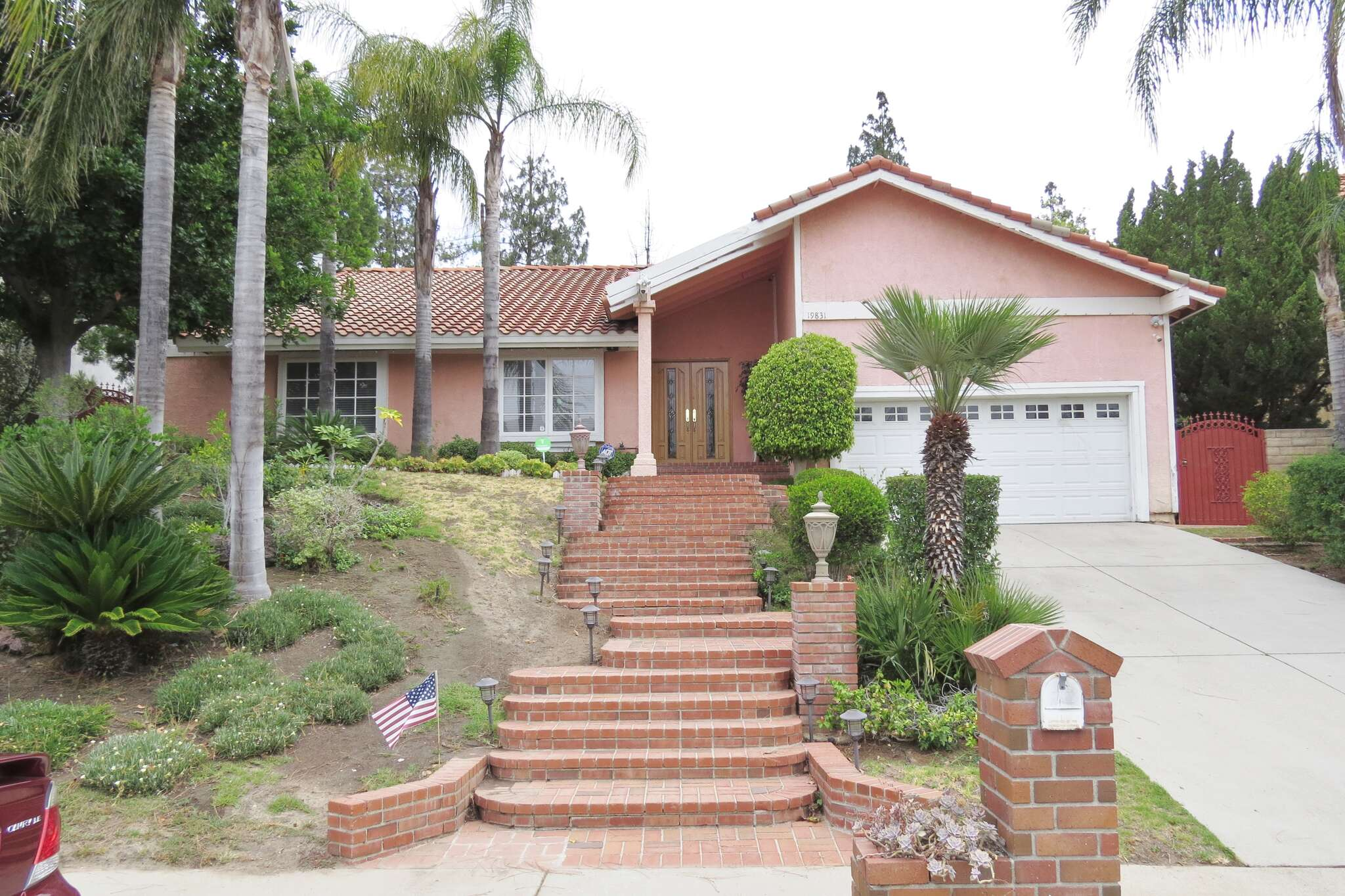 Single Family for Sale at 19831 Hiawatha St Chatsworth, California 91311 United States