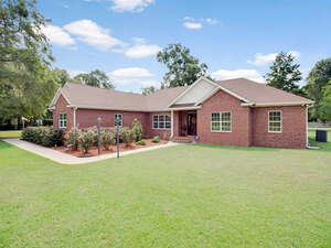 Featured Property in Bristol, FL 32321