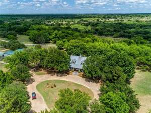 Featured Property in Breckenridge, TX 76424