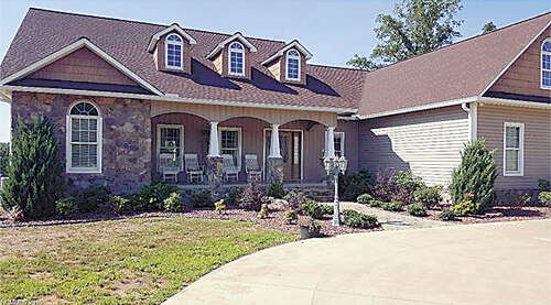 Single Family for Sale at 27 Troy Lane Tryon, North Carolina 28782 United States