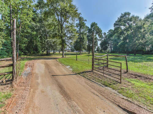 Single Family for Sale at 11864 Blackland Willis, Texas 77318 United States