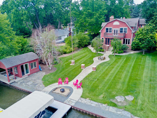 Single Family for Sale at 4418 North Riverdale Drive McHenry, Illinois 60051 United States