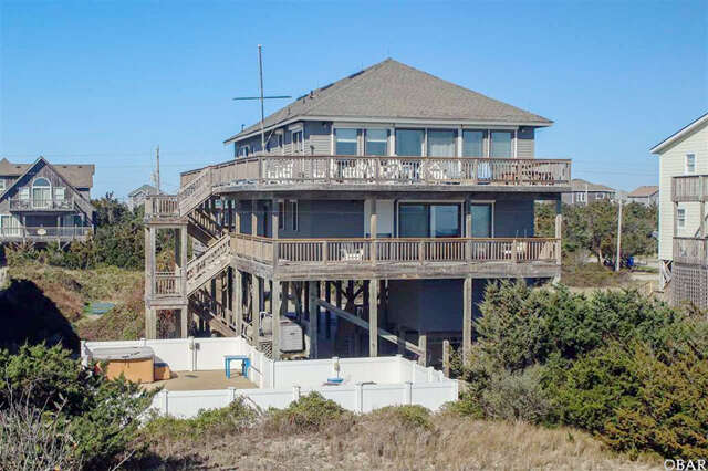Single Family for Sale at 42225 Greenwood Place Avon, North Carolina 27915 United States
