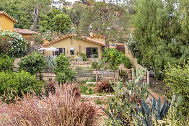 Single Family for Sale at 1636 Lookout Drive Agoura Hills, California 91301 United States